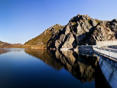 blue lake, western U.S., landscape